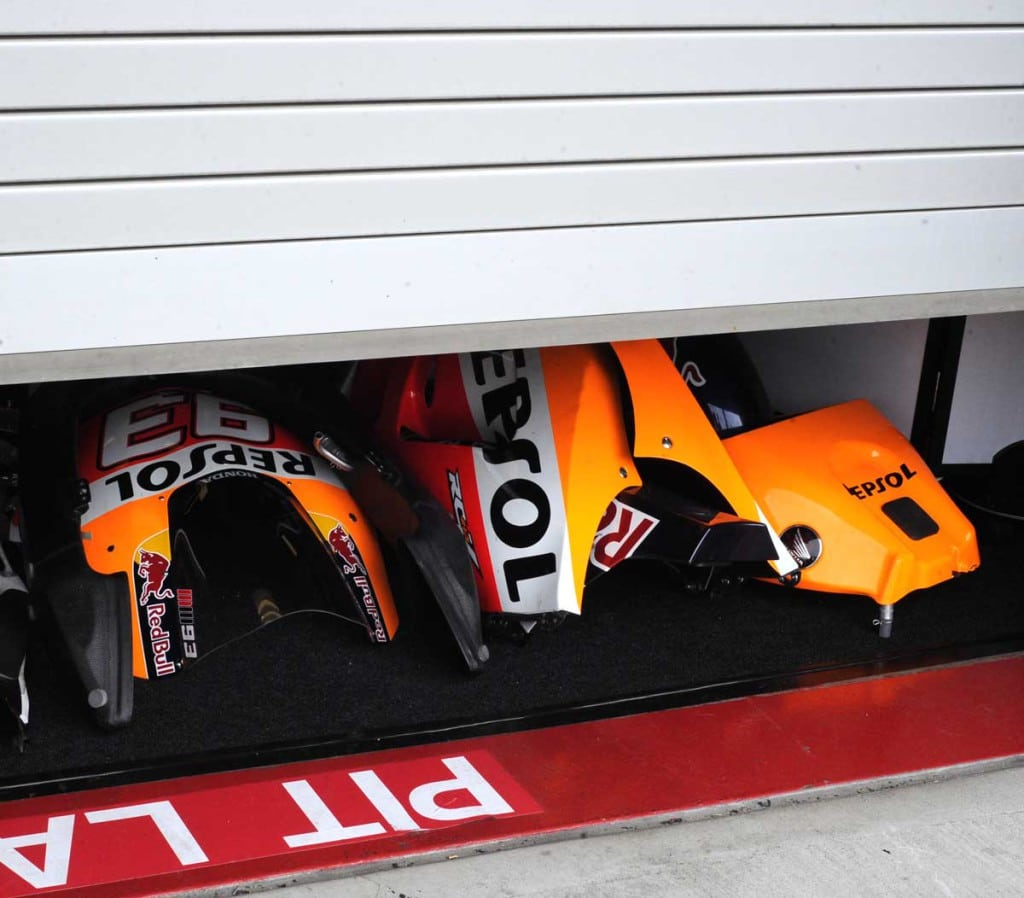 The Repsol Honda MotoGP team was hard at work last night in the garage.