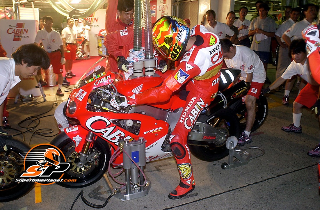 Honda's Valentino Rossi at the Suzuka 8 Hours in 2001, and event he won with Colin Edwards II.