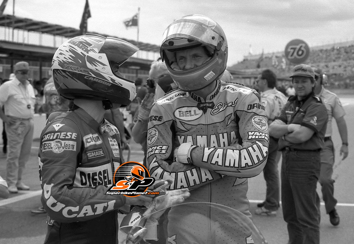 Nice watermark, eh? Welcome to our world. Raymond Roche and Eddie Lawson on the grid of the Daytona 200 in 1993.