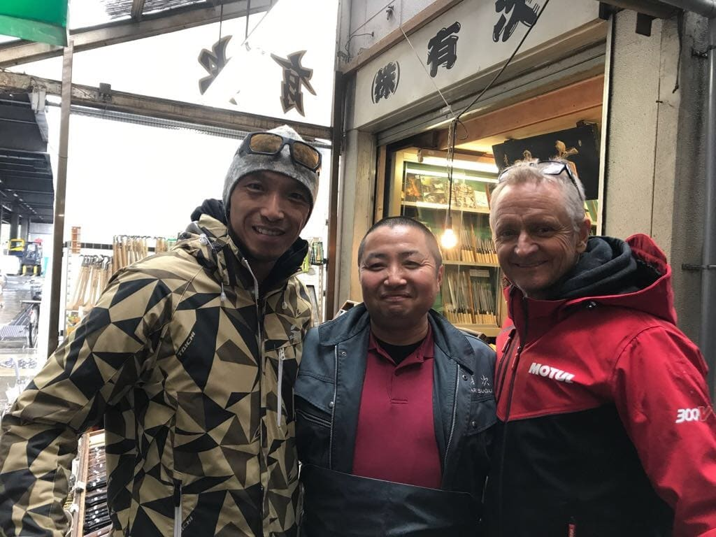 Traveling in Japan with Schwantz is always interesting. Here he was recognized by a fan in a Tokyo fish market with Nob Aoki. Japanese fans remember his Suzuka triumph and it is not uncommon for Japanese fans to become emotionally overwhelmed when they meet him in person.