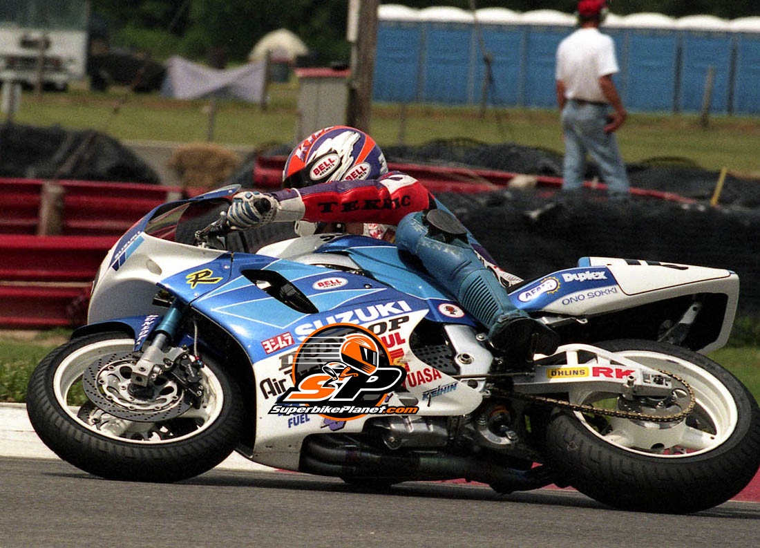 Tom Kipp on the Yoshimura Suzuki GSX-R750.
